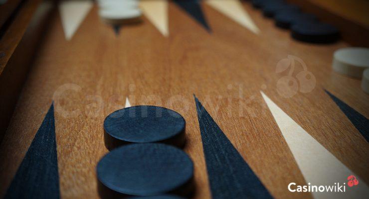 Opzetten van de stenen bij backgammon
