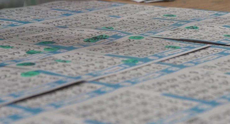 Getallen wegstrepen bij bingo